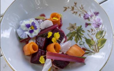 Neljän ruokalajin menu – Hakamaan Lammastilan ravintola